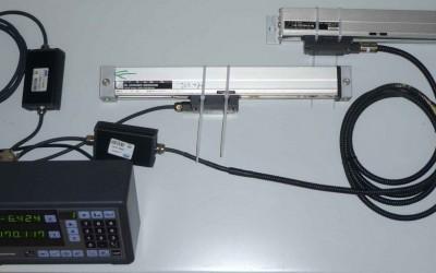 Mitutoyo gyártmányú 2 tengelyes pozíció kijelzőre Heidenhain útmérő lécek illesztése